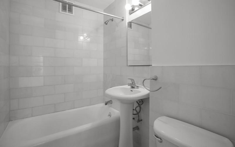 253 W 72-#410-bathroomLow