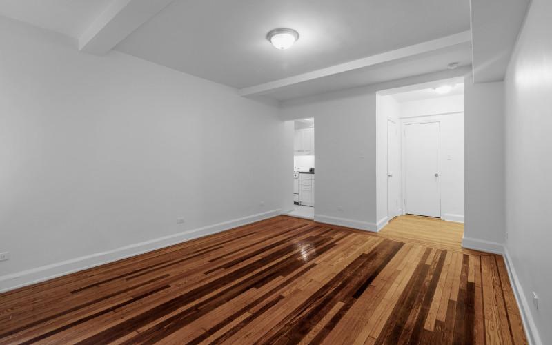253-w-72-#512-Livingroom2Low