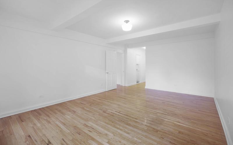 253 w 72 #616 Livingroom2Low