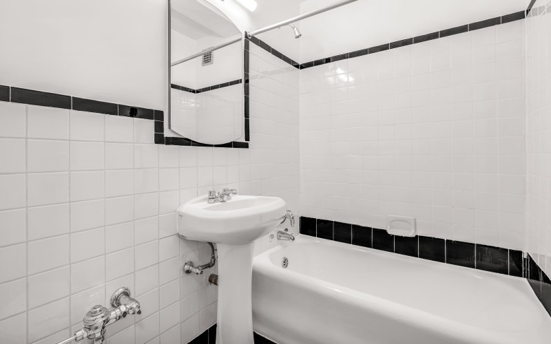 310E44 #1014 BATH