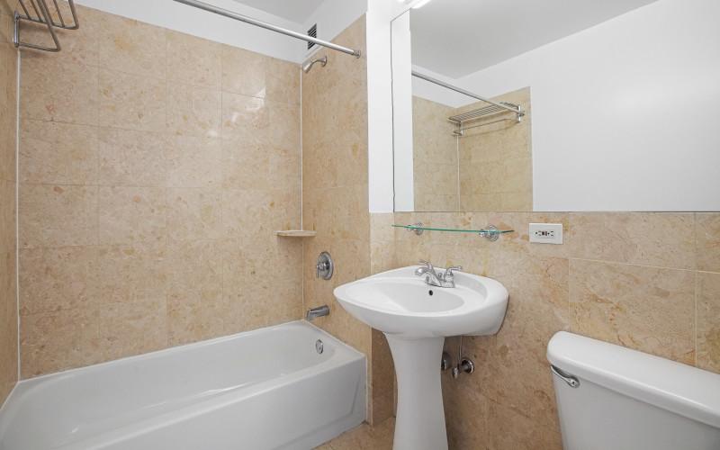 360 F line Studios Bathroom