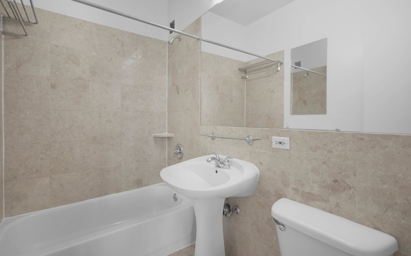 360 W43 SPHB Bathroom Mockup