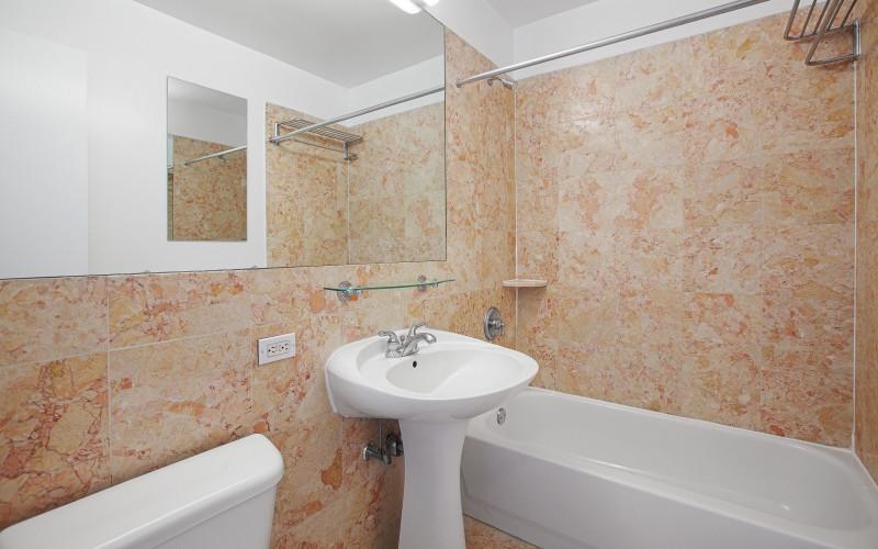 360 West 43rd - #S14E Bathroom