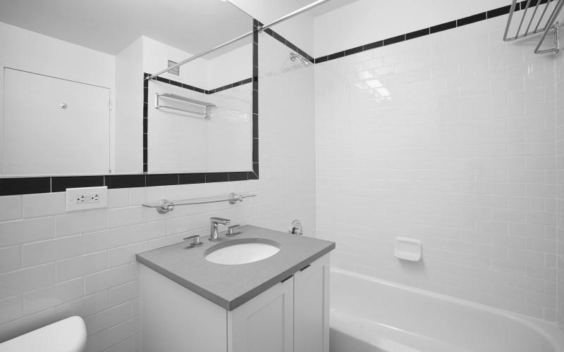 420-w-42-#30B-Bathroom2Low