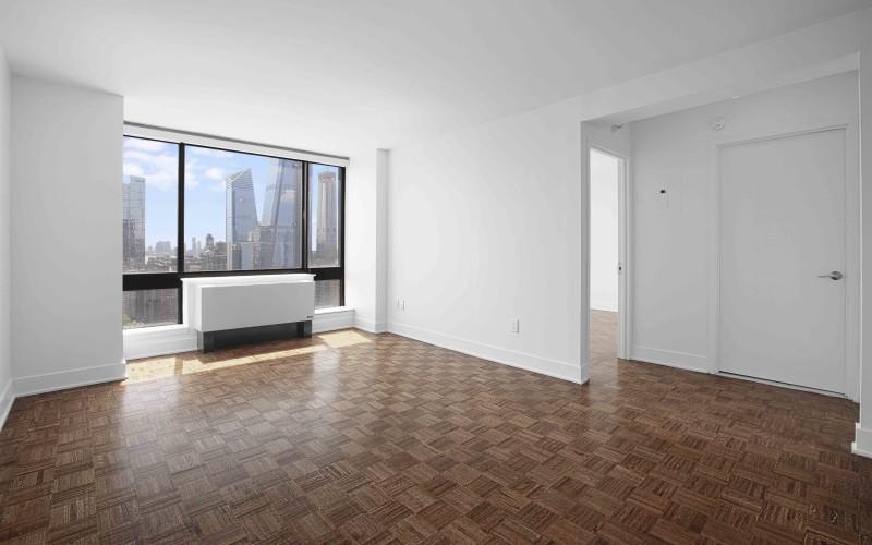 420-w-42-#38A-Livingroom1Low