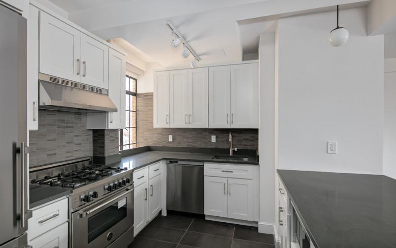 433 W 21st Street Apartment 10A