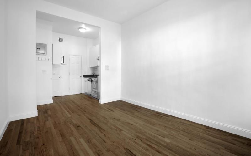 48-Greenwich#1A-Livingroom2Low