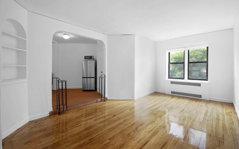 62-Leroy-#1F-Livingroom
