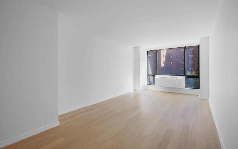 75-West-End-#C2E-Livingroom1Low