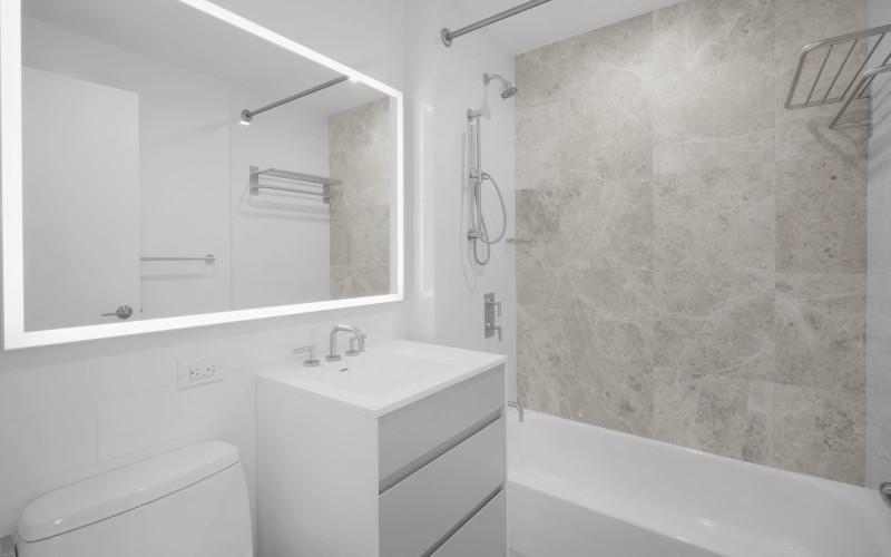 75-West-End-#P8K-Bathroom1