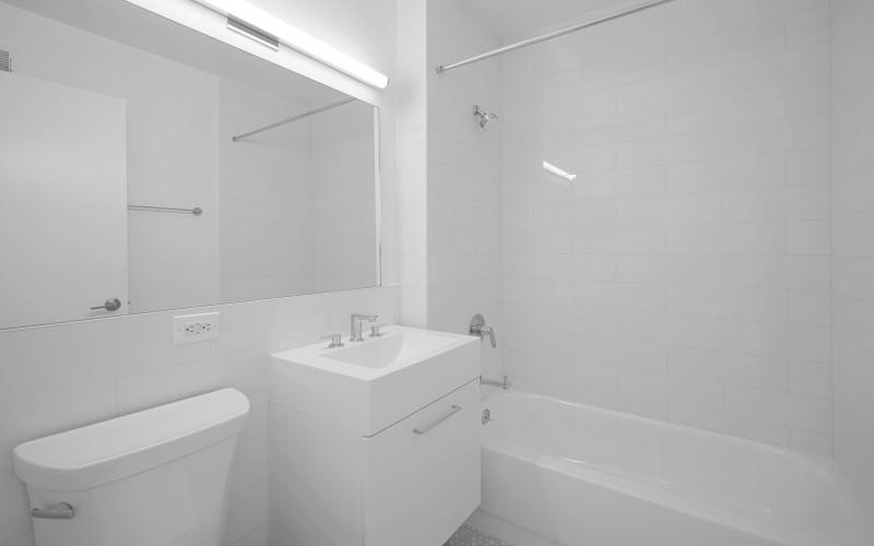 75-West-End-#R29D-Bathroom1Low