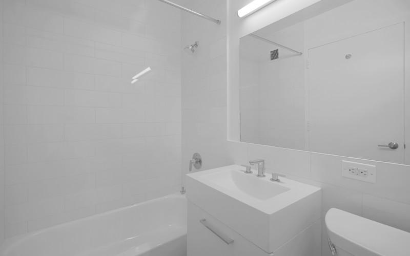 75-West-End-#R29D-Bathroom2Low