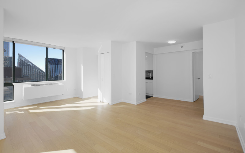 75-West-End-#R29D-Livingroom2Low