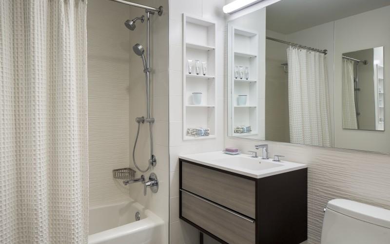 City Tower - Bathroom 2