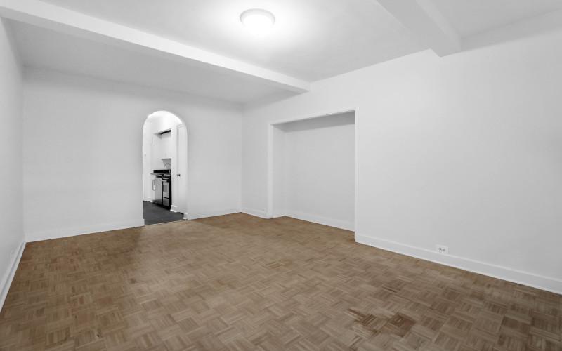 Beaux arts livingroom studio