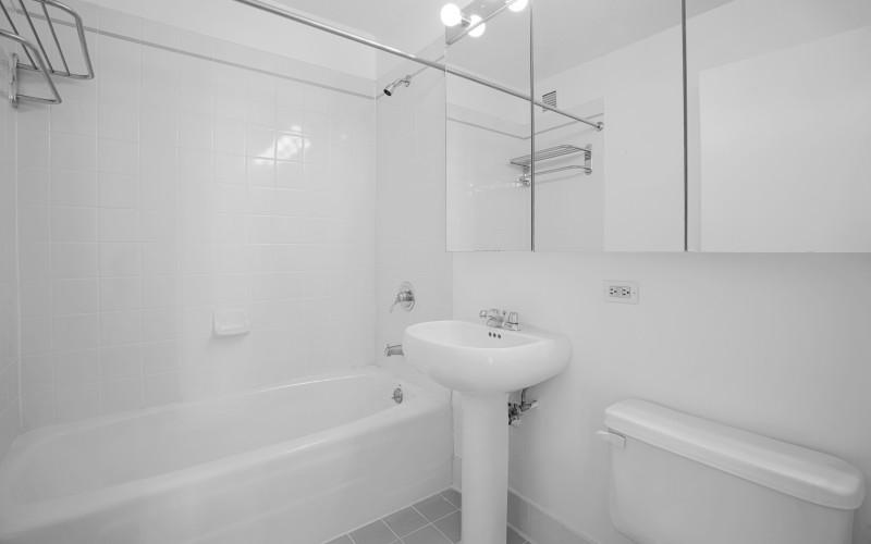 Concerto 26C Bathroom1Low