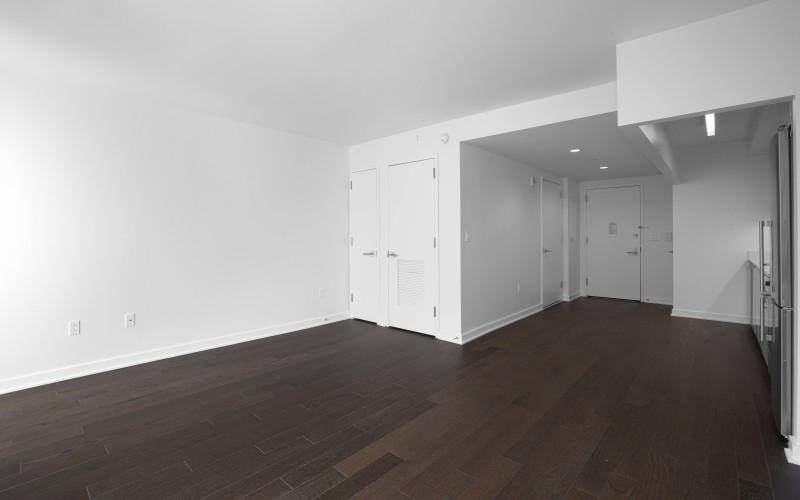 Enclave 908-Living room2