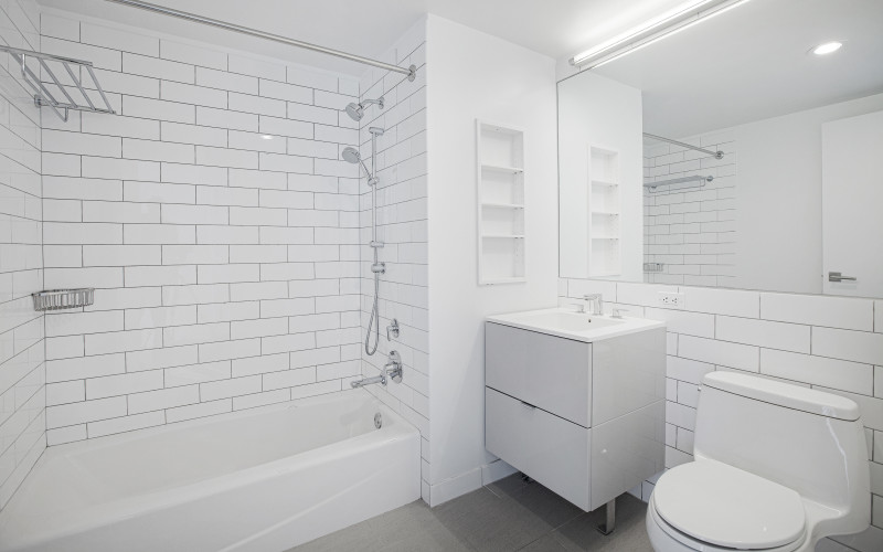 Enclave - Unit 1127 Bathroom