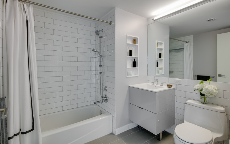Enclave - Unit 929 Bathroom 2