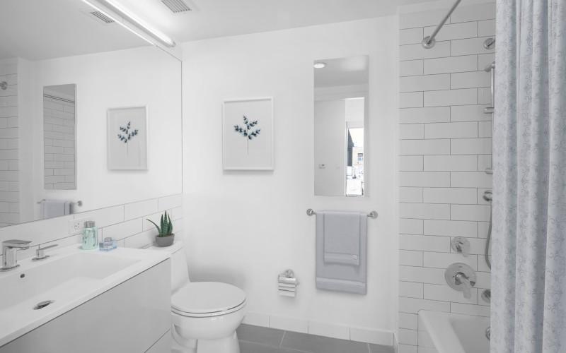 VS Enclave Unit - 1604 Bathroom1Low
